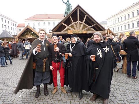 Ochs auf dem Wittelsbacher Weihnachtsmarkt 2011